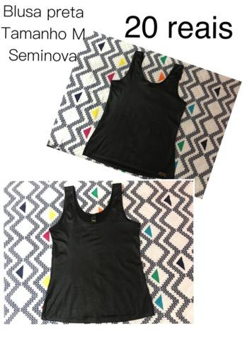 Camiseta preta com brilho
