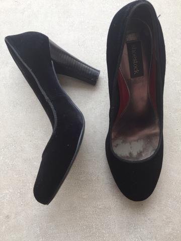 47a34ca18a Scarpin Shoestock veludo preto - Roupas e calçados - Vila Sônia