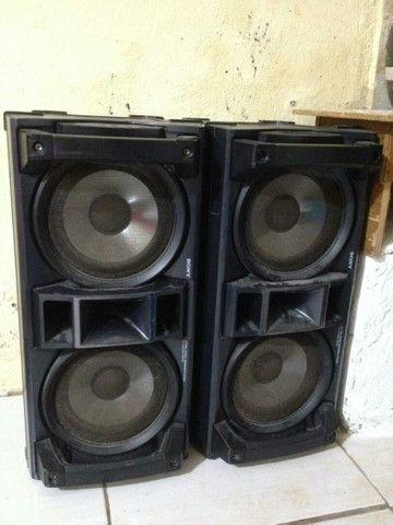 Caixa de som acústica