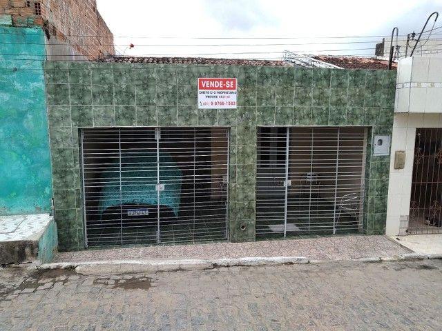 CASA COM ESCRITURA 6X25 POR R$ 110MIL
