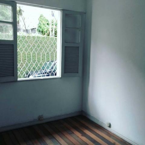 Apartamento No Centro de Vitória, na Rua do Vintém com 3 quartos mais dependência