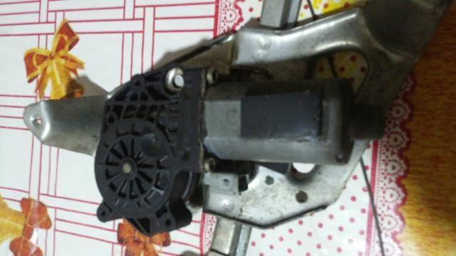 Vendo motor do vidro elétrico do Corsa.