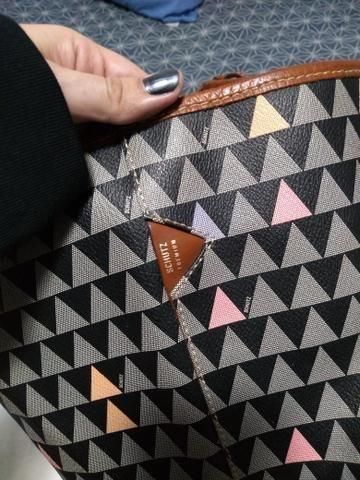 Bolsa modelo Nina Triangle Schutz - Foto 2