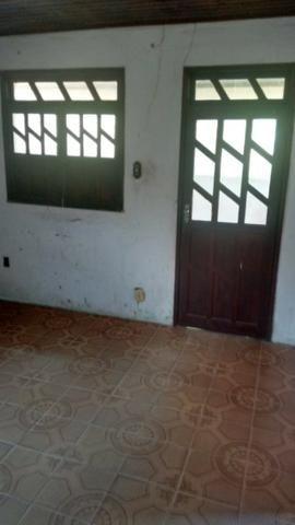 Vende-se uma casa com um terreno grande em São tome prox a praia valor a combinar - Foto 5