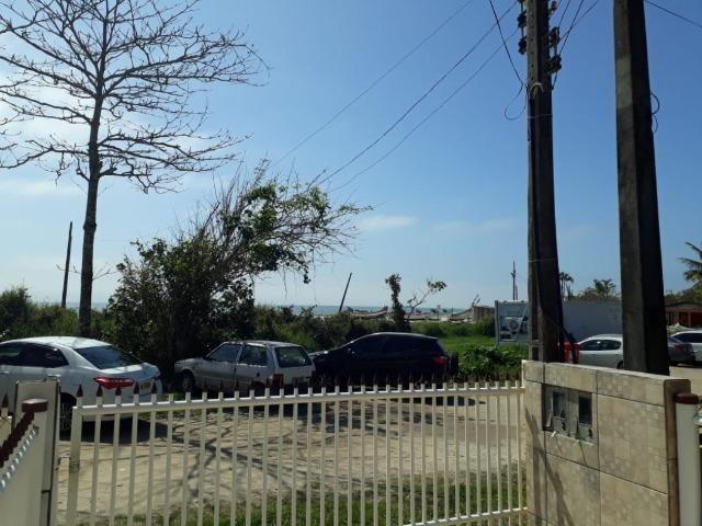 Itapoá/SC - Casa em frente ao mar - Foto 6