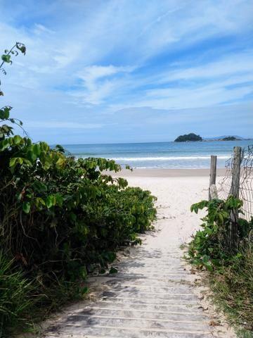 Apto para locação na praia de Palmas a dois minutos do mar - Foto 17