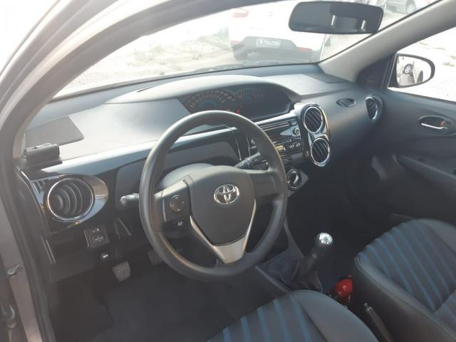 Toyota Etios Hatch XS 1.5 flex, completo, mecânico, super novo - Foto 7