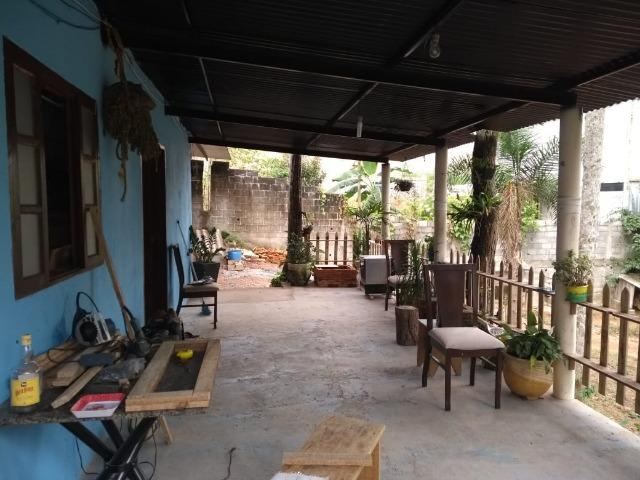 Terreno 400 m2 com casa no Bairro Ressaca. 8 Km do centro de Embu Das Artes