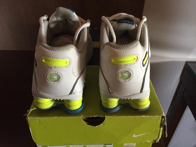 Tênis Nike shox tamanho 35 novo! - Foto 2
