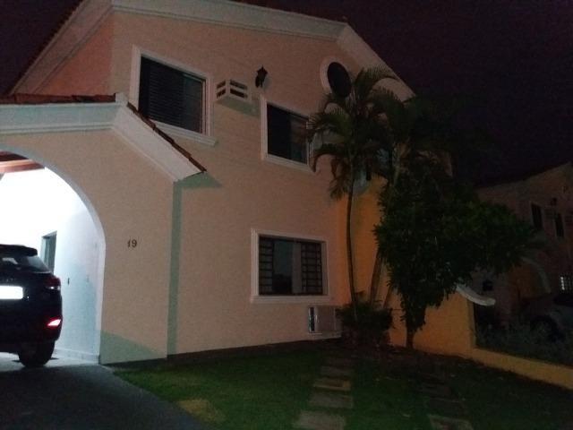 Casa *sobrado condomínio fechado