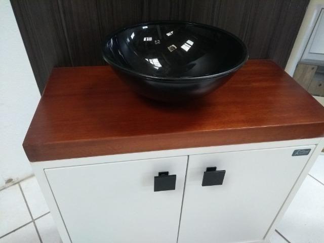 Conjunto de Banheiro Tampo em Madeira Maciça - Foto 2