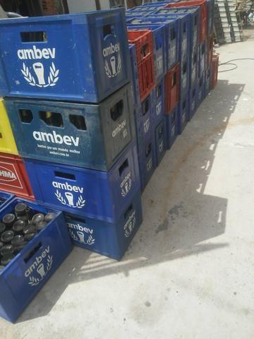 Vendo essas grades cervejao12,00reais de 600ml por22,00 - Foto 2