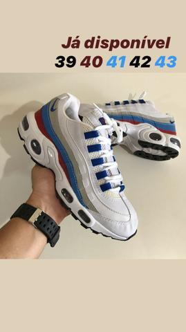 Tênis Nike model90
