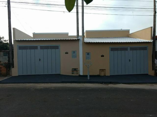 Vende-se 2 casas no mesmo terreno