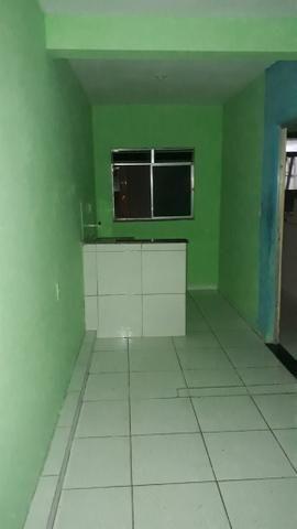 ALUGA-SE Casa com 01 quartos 350.00 Cabula - Foto 8