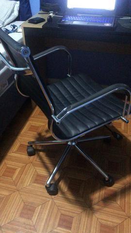 Cadeira escritório presidente giratória - Foto 5