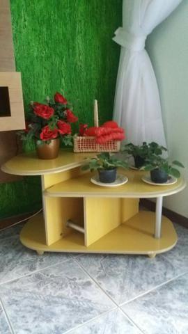 Estante . mesa de sala