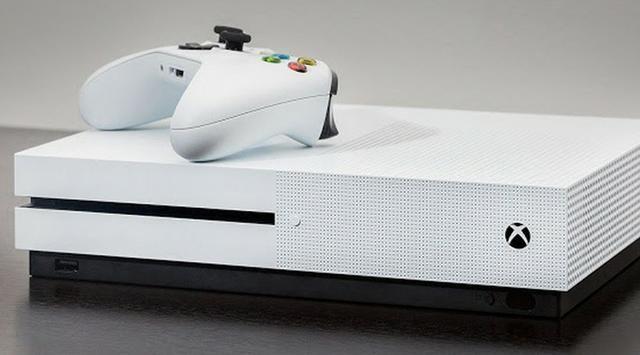 Xbox One S 1tb com 2 meses de uso, sem marcas de uso nem arranhões