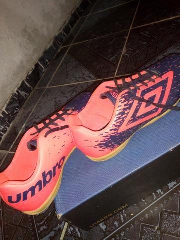 f15986a5ad42d Chuteira Futsal Umbro Acid IC - Adulto - Roupas e calçados - Vida ...