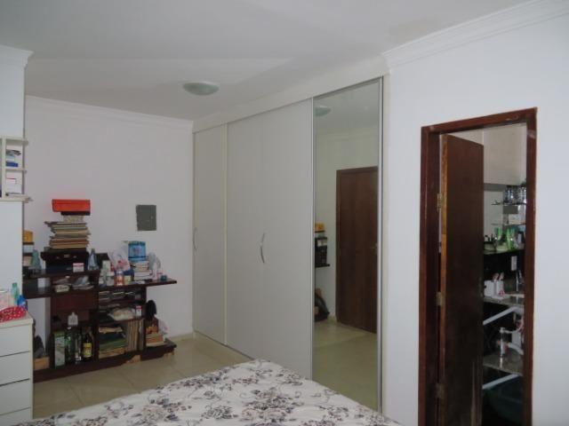 Casa com quatro quartos, duas suites, na laje. Esquina - Foto 16