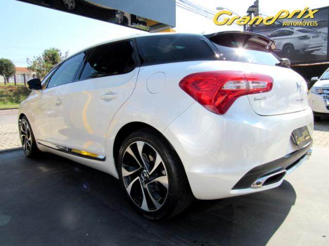 CITROËN DS5 2016 1.6 SO CHIC 16V 165CV TURBO INTERCOOLER GASOLINA 4P AUTOMÁTICO BRANCO  - Foto 17