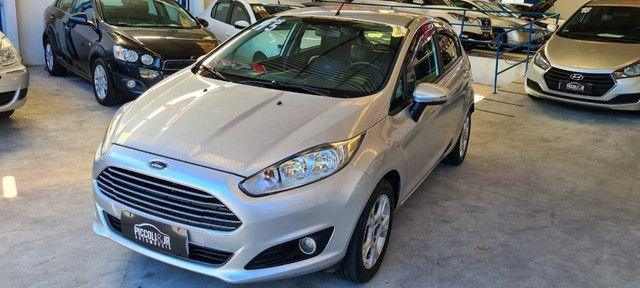 Ford New Fiesta SEL 1.6 Automático vendo troco e financio R$  - Foto 13