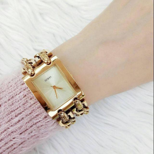 Relógio Feminino Guess 2 Correntes Dourado W0311l2 Original - Foto 2