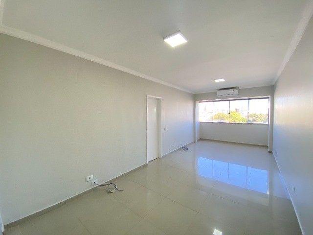 Alugo apartamento no bairro Consil em Cuiabá com 3 dormitórios sendo 1 suíte - Foto 3
