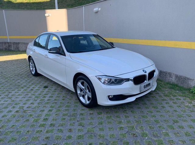BMW 320i Activeflex 2014, veículo revisado
