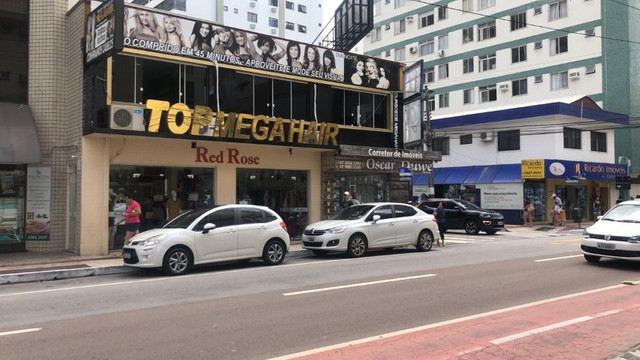 Passo ponto, negocio montado a melhor loja e Salão de Megahair de Balneario Camboriu SC