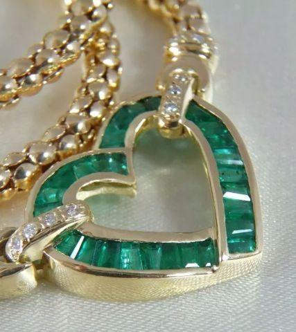 Gargantilha ouro 18k 28 esmeraldas 18 diamantes