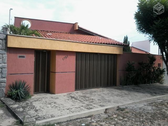 Casa no B de Fátima entre av. Ininga e Nossa Senhora de Fátima com 4 Q sendo 1 suíte finan