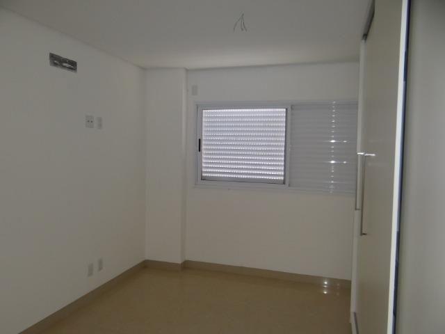 Apartamento de Alto Padrão com 3 Suites na Orla - Foto 19