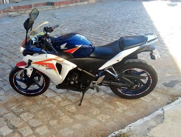 Honda CBR250r Tricolor