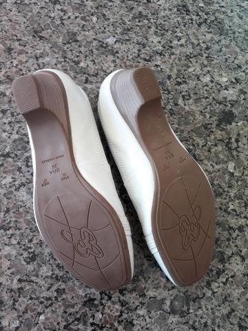 Sapato Feminino Maxi Comfort em couro n°36