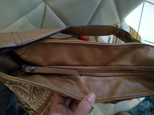 Passo cartão, vendo bolsa de franjas em couro sintético - Foto 5