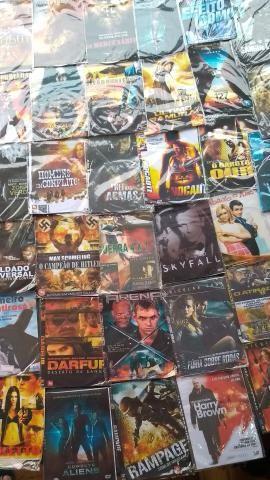 Vendo aparelho de DVD + 211 filmes em dvd - Foto 3
