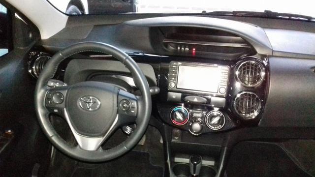 Toyota Etios platinum 1.5 automatico branco 2017/2018 - Foto 9