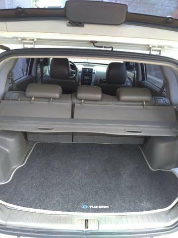 Tucson 09/10 automática, completa, com teto solar, Motor v6, 4x4, pneus bons toda revisada - Foto 3