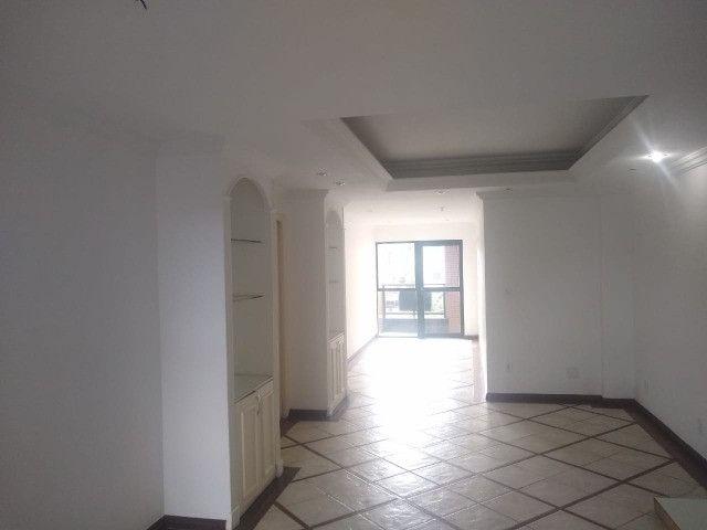 Apartamento com 3 dormitórios sendo 1 suíte, lazer completo, Aterrado! - Foto 8