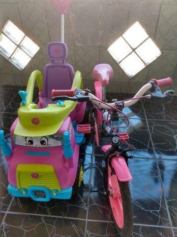 Carrinho e bicicleta infantil