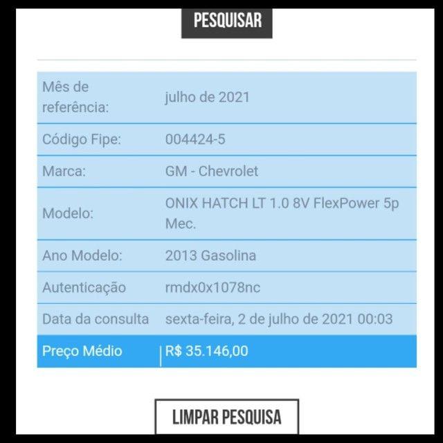 Onix 1.0 LT Completo Vendo/Troco/Financio  - Foto 17