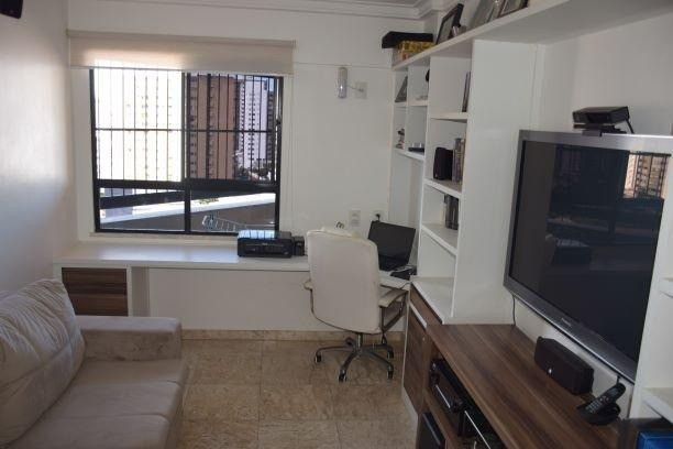 Apartamento para Venda, Biarritz Plaza no bairro Grageru, Com 4 apartamento por andar. - Foto 2