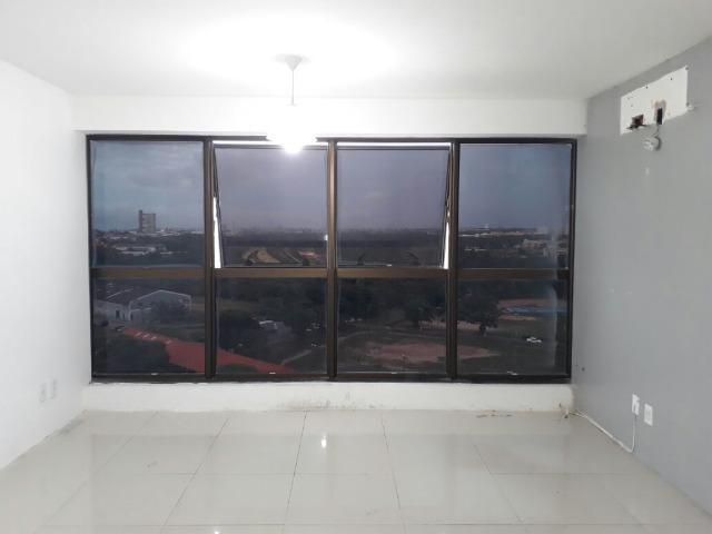 Sala Comercial No Ed. Golden Tower, 37m²