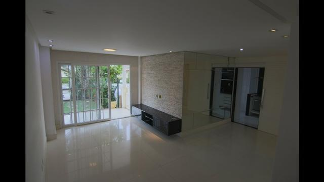 Casa Duplex 3 suítes, dependência, 2 vagas, condomínio clube Piatã