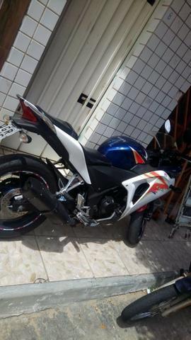 Honda CBR250r Tricolor - Foto 3