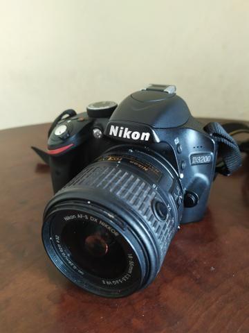 Câmera profissional Nikon D3200