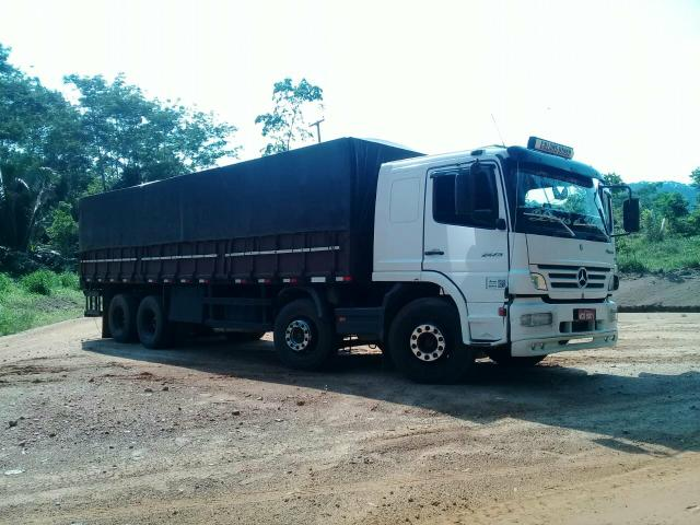 Caminhão bitruck 4 eixo