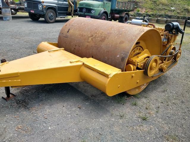 Rolo compactador de arrasto motorizado - Foto 2