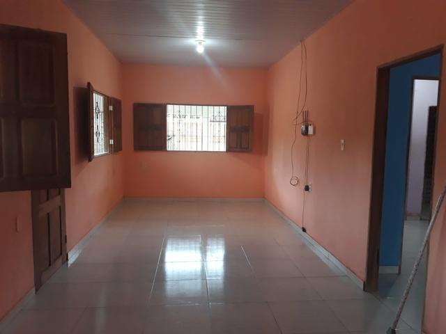 Alugo casa 1 quarto